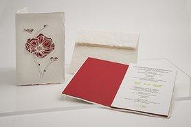 1188 - bloem met lieveheersbeestje handgeschept papier